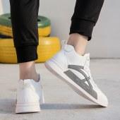 2020潮流轻版休闲板鞋