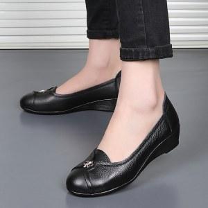 真皮女鞋坡跟软底妈妈鞋53063