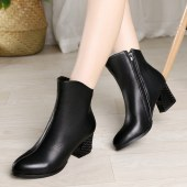 真皮时尚女靴