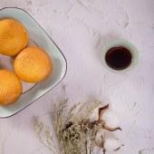 蛋月烧粒粒红豆月饼