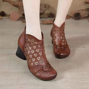 春夏秋镂空女鞋真皮中跟软底凉鞋粗跟中老年妈妈凉靴